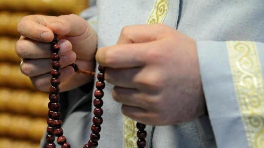 Ein Imam beim Gebet: In Thüringen haben es Muslime schwer, Gebetsräume zu finden. (Symbolfoto)