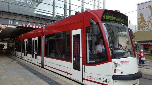 In Erfurt haben Unbekannte auf öffentliche Verkehrsmittel geschossen – vermutlich mit einer Zwille. (Symbolbild)