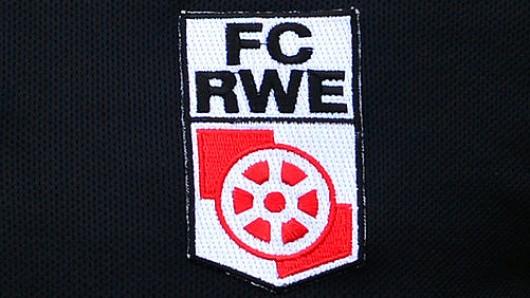Das aufgestickte Logo des FC Rot-Weiß Erfurt (Archivfoto)