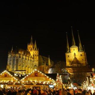 Der Erfurter Weihnachtsmarkt wurde zum schönsten Markt in Deutschland gekürt, jetzt soll er auf ein beliebtes Herzstück verzichten. (Archivbild)