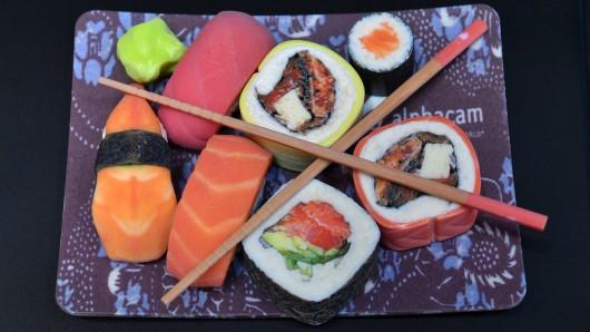 Ein im 3D-Druckverfahren hergestellter Sushi-Teller, aufgenommen am Dienstag in Erfurt auf der Fachmesse Rapid.Tech und FabCon 3.D 2017. Über 1100 Aussteller aus 19 Ländern präsentieren die neusten Produkte und Anwendungen in den Bereichen generative Fertigung und 3D-Druck.