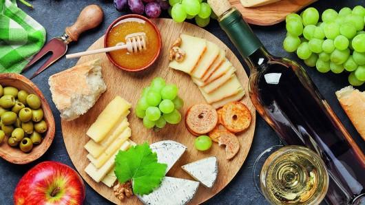 In der Genussmeile dürfen frisch zubereitete, gesunde Speisen gekostet werden. Hersteller regionaler Waren freuen sich auf inspirierende Gespräche.