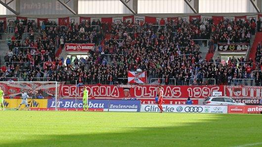 Fans des FC Rot-Weiß Erfurt