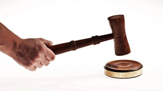 Mehrere junge Männer sind vor dem Landgericht Erfurt unter anderem wegen erpresserischen Menschenraubs zu mehreren Jahren Haft verurteilt worden. (Symbolfoto)