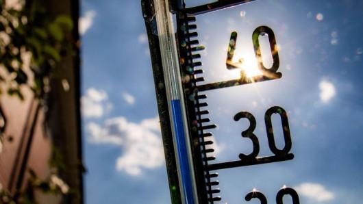 In Thüringen wird es heiß. Mancherorts haben Schulen Hitzefrei angekündigt.