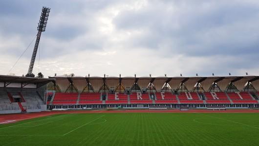Das Steigerwaldstadion könnte oft leer bleiben, wenn Rot-Weiß Erfurt den Spielbetrieb einstellt. (Archivfoto)