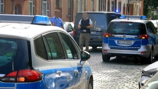 ach tagelanger Suche konnte der mutmaßliche Entführer und Messerstecher am Boyneburgufer in Erfurt geschnappt werden. (Archivfoto)