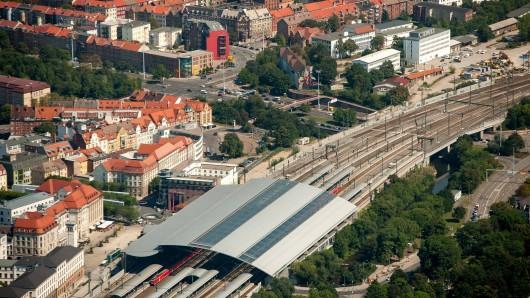 Blick auf den Hauptbahnhof und die ICE-City in Erfurt (Archivfoto)