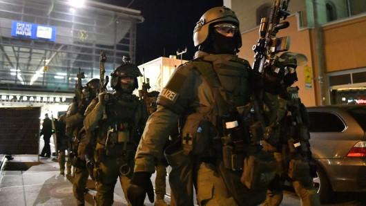 Am Hauptbahnhof in Erfurt hat am Dienstagabend (14.05.2019) und in der Nacht eine großangelegte Anti-Terror-Übung von Polizei, Rettungskräften und Bahn stattgefunden.