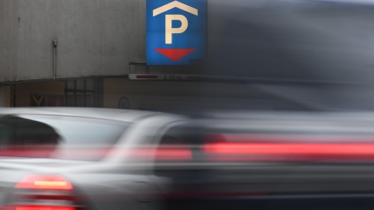Einen Parkplatz zu finden, ist in Erfurt nicht immer leicht. Es soll nun einfacher werden. (Symbolbild)