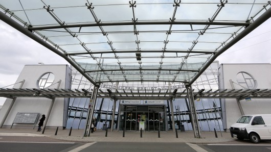 Am Flughafen Erfurt-Weimar steht eine Namensänderung an. (Symbolbild)