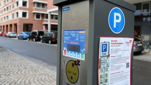 Ein Parkscheinautomat in Erfurt. Autofahrer müssen ab Februar mit höheren Gebühren rechnen. (Archivfoto)