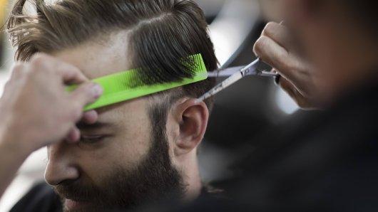 Ein Friseur aus Erfurt hat eine überwältigende Aktion ins Leben gerufen.