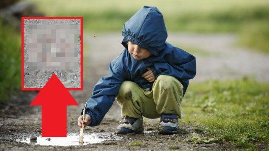 Kinder haben auf einem Feldweg bei Erfurt gespielt. Plötzlich haben sie eine lebensgefährlich Entdeckung gemacht. (Symbolbild/Collage)