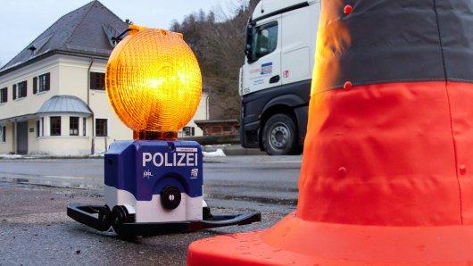 Die Polizei Erfurt hat in einem Lkw einen schockierenden Fund gemacht. (Symbolbild)