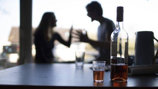 In Erfurt griff ein betrunkener Mann seine Freundin und sein Kind an. (Symbolbild)
