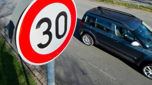 In Berlin soll es bald mehr Tempo-30-Zonen geben.