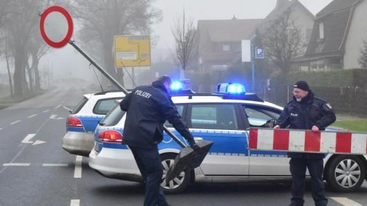 Nach einem Erdrutsch wurde im Wartburgkreis eine Straße gesperrt. (Symbolfoto)