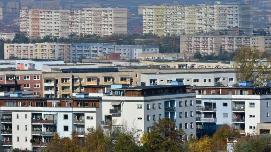 Plattenbauten in Erfurt in einem Wohngebiet im Ortsteil Herrenberg.