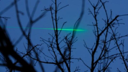 Mehrere Lkw-Fahrer wurden in der Nacht zu Montag in Thüringen von Laserpointern geblendet.