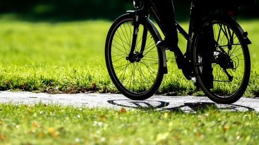 Der Mann lauerte in Gera auf vorbeifahrende Radfahrer (Symbolbild).