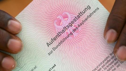 Wer in den ostdeutschen Bundesländern Asyl sucht, lebt besonders gefährlich. Das will eine Studie des Leibnitz-Zentrum für Europäische Wirtschaftsforschung nun belegt haben. (Symbolbild)