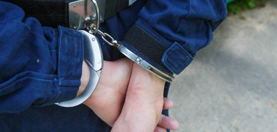 Am Dienstag nahm die Polizei einen 41-Jährigen fest. (Symbolbild)