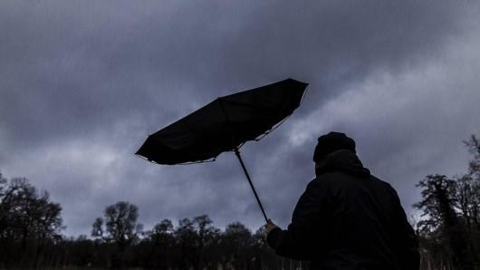 In Thüringen gilt eine Sturmwarnung, das Wetter bleibt ungemütlich. (Symbolfoto)