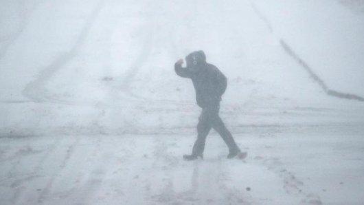 In Thüringen stürmt es, vor allem in höheren Lagen kommt auch noch Schnee hinzu. (Symbolfoto)