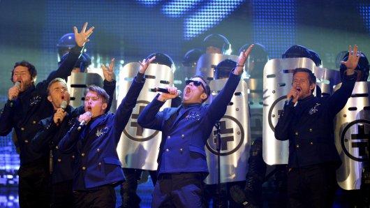 Take That bei einem Echo-Auftritt in Berlin 2011. Von links: Howard Donald, Gary Barlow, Mark Owen, Robbie Williams and Jason Orange.