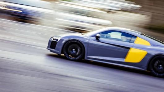 Mehr als 60 illegale Autorennen registrierte Polizei Dortmund im Jahr 2018. (Symbolbild)