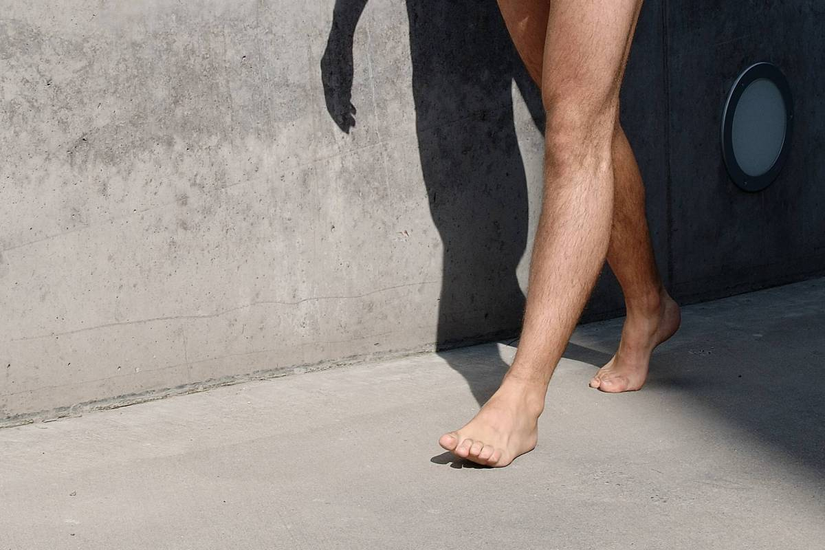 nackt spazieren