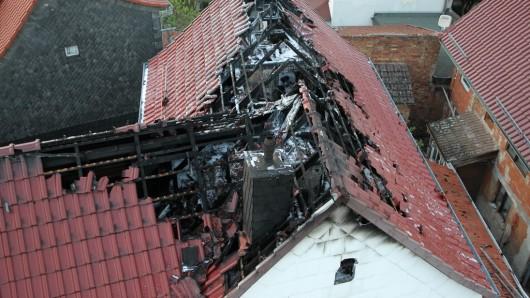 Der Dachstuhl in Sondershausen Bebra brannte komplett aus.