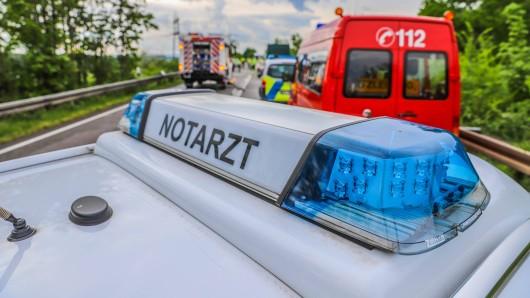 Bei dem Unfall bei Schwarztal wurde ein 20-Jähriger schwer verletzt (Symbolbild).