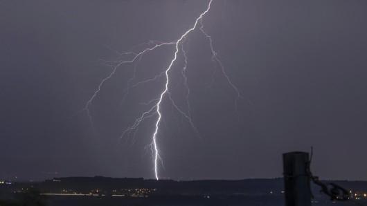 Auch am Montag ziehen Unwetter über Thüringen und bringen Hagel, Starkregen und Gewitter mit sich.