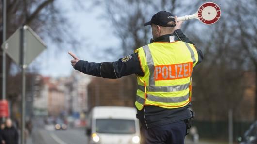 Die Bundespolizei hat auf der A4 vier Männer aufgehalten. (Symbolfoto)