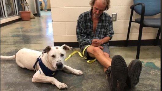 Anthony und sein Hund.