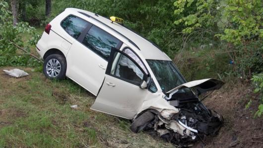 Im weimarer Land hat es einen schweren Unfall mit einem Taxi gegeben.