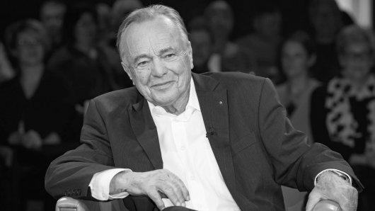"""Dieter Bellmann war von Anfang an bei """"In aller Freundschaft"""" dabei. Am Freitag wäre der beliebte Schauspieler 80 Jahre alt geworden."""