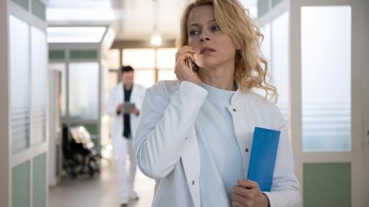 Dr. Ina Schulte (Isabell Gerschke) bleibt der Sachsenklinik erhalten!