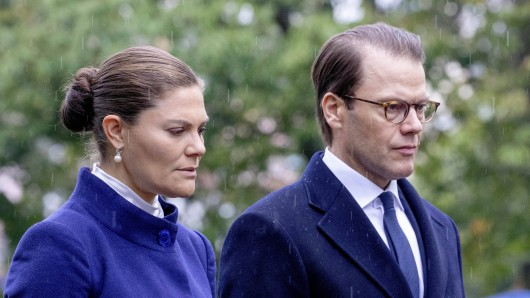 Royals: Plötzlich fehlte Prinz Daniel.