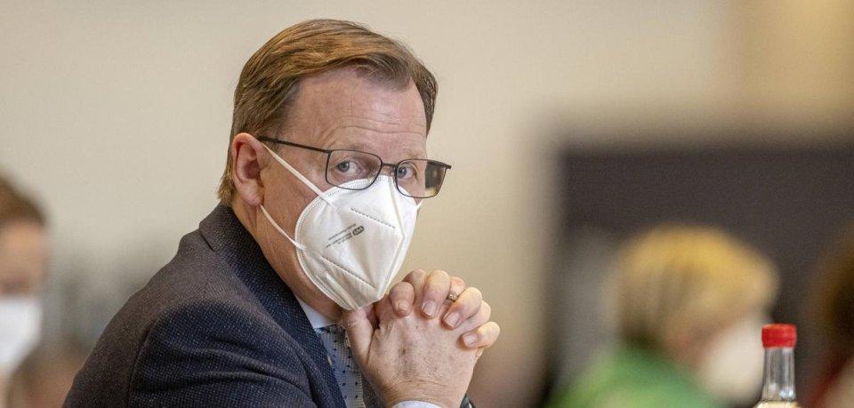 Bodo-Ramelow kann aufatmen: Die Mittelfinger-Affäre hat kein Nachspiel für den Thüringer Ministerpräsidenten.