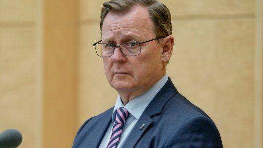Thüringer Ministerpräsident Bodo Ramelow (Linke) verabschiedet sich gleich von fünf Weggefährten. (Symbolbild)