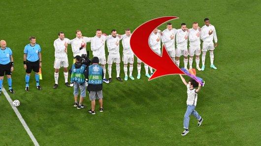 Im Spiel zwischen Deutschland und Ungarn bei der EM 2021 lief vor Anpfiff ein Flitzer aufs Feld.