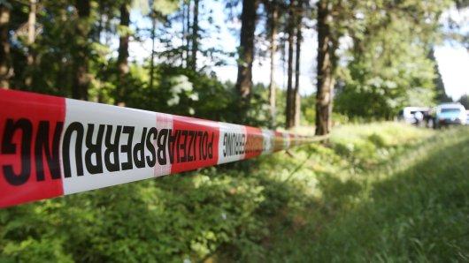 Kinder haben in einem Wald in Thüringen einen gefährlichen Fund gemacht.