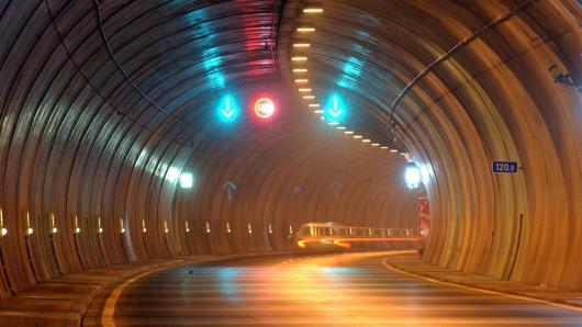 Der Rennsteigtunnel im Thüringer Wald musste am Mittwoch gesperrt werden. (Symbolbild)