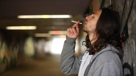 Die Polizei in Gotha fand bei dem Mann eine geringe Menge Cannabis. (Symbolbild)