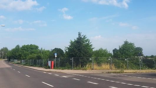 Seit Anfang der Woche steht ein Bauzaun um das Nachbargrundstück der geplanten Moschee in Erfurt-Marbach.