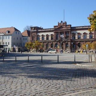 Mitten in Weimar auf dem Goetheplatz soll eine Frau am hellichten Tag sich selbst befriedigt haben. Zeugen riefen die Polizei. (Archivbild)
