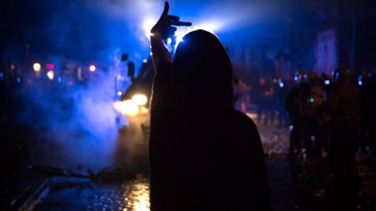 Jugendliche in Gera haben die Polizei angegriffen. (Symbolbild)